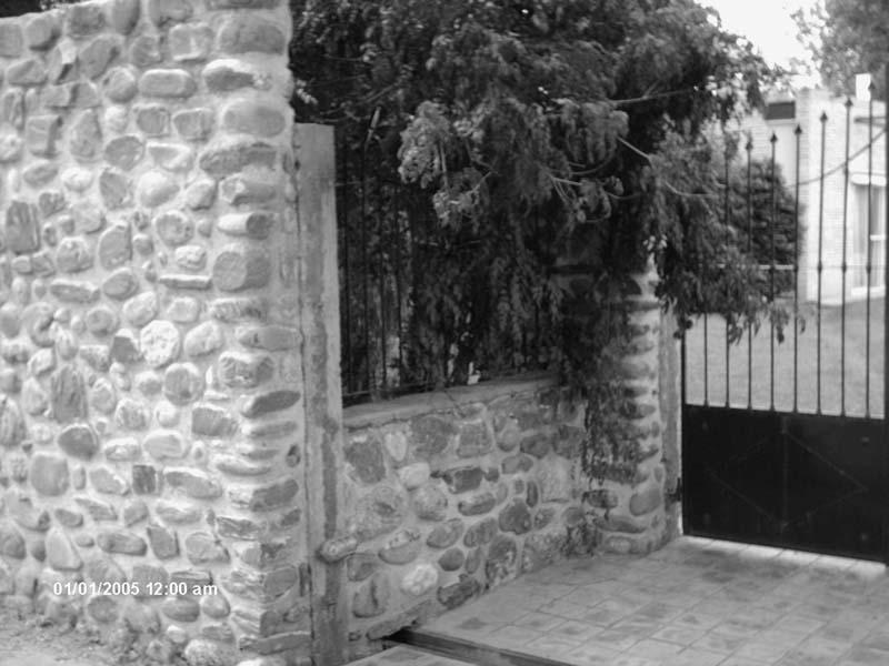 Portón de acceso.